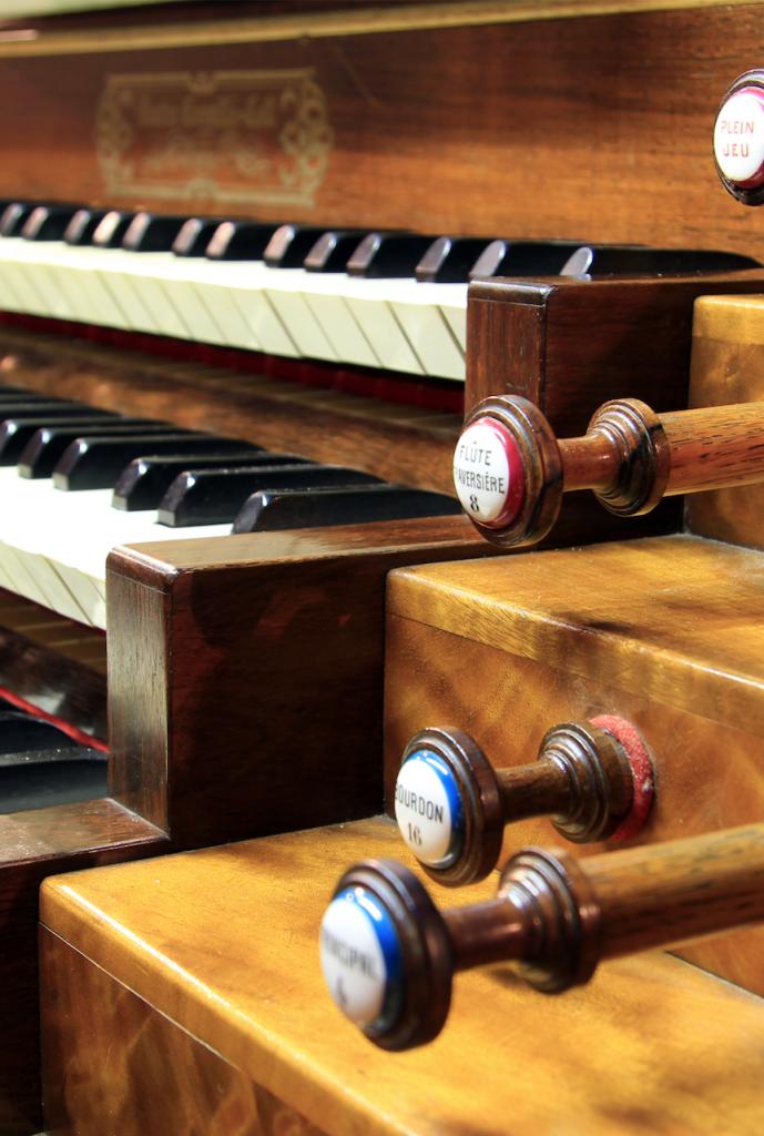 Church Organ for worship at Presbyterian Sunday Service